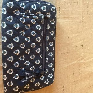 Women's zip across wallet.